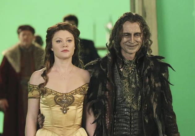 "Once Upon a Time Season 3 Spoilers: Belle and Rumple ""Will Meet Again"" in Neverland"