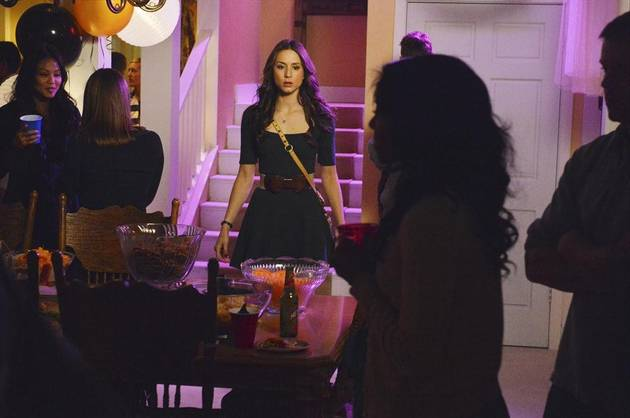 "Pretty Little Liars Promo: Season 4, Episode 5: ""Gamma Zeta Die"" (VIDEO)"