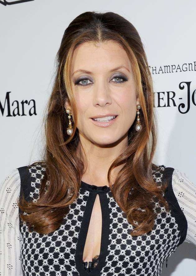Kate Walsh Shows Off Amazing Bikini Bod in Sexy Summer Pic!