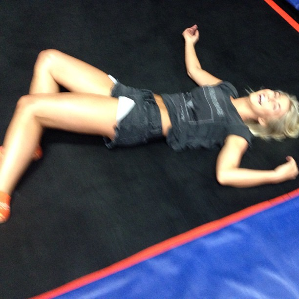 """Dancing With the Stars' Julianne Hough Goes Crazy in """"Serious Workout"""" (VIDEO)"""