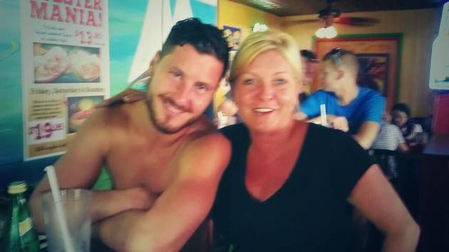 Val Chmerkovskiy Goes Shirtless: Dancing With the Stars Pro's Fun Summer Lunch (PHOTO)