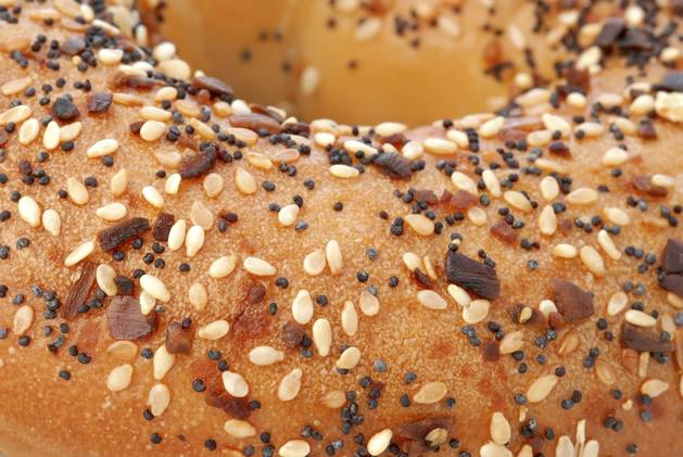 Woman Eats Poppy Seed Bagel Before Giving Birth, Baby Tests Positive For Opiates