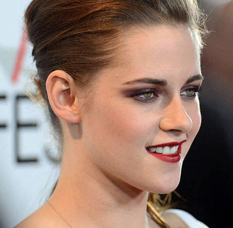 """Kristen Stewart Calls Paparazzo a """"F— Face"""" — See the Video!"""