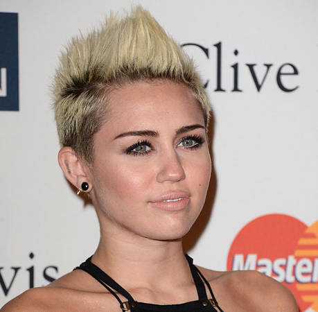 Super-Sexy Miley Cyrus Channels Pretty Woman — Bad Role Model? (PHOTO)