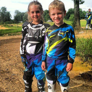Bentley Edwards Finds a Girlfriend on the Motocross Track (PHOTO)