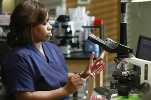 "Grey's Anatomy Season 10 Spoiler: Bailey's Mistake ""Lives With Her"""