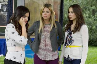 """Pretty Little Liars Season 4 Summer Finale Recap: """"Now You See Me, Now You Don't"""""""