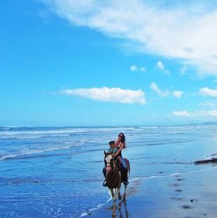 Gisele Horses Around on the Beach With Son Benjamin (PHOTOS)