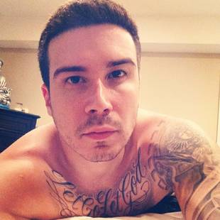 Jersey Shore's Vinny Guadagnino Wakes Up in Bed With WHO? (VIDEO)