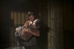 The Walking Dead Deleted Scene — Carol to Merle: Mess With Daryl and I'll Slit Your Throat!