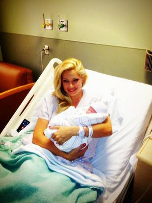 Big Brother's Janelle Pierzina Gives Birth to Son (PHOTO)
