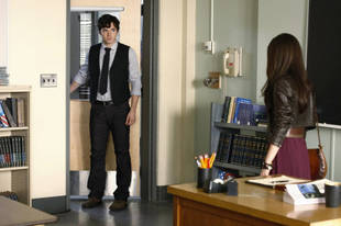 "Is Ezra Really ""A"" on Pretty Little Liars? The Cast and Crew Say…"