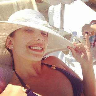 Dancing With the Stars' Cheryl Burke Flaunts Sexy Beach Bod on Vacation (PHOTO)