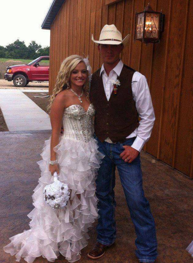 Mackenzie Douthit and Josh McKee Reveal Official Wedding Portrait