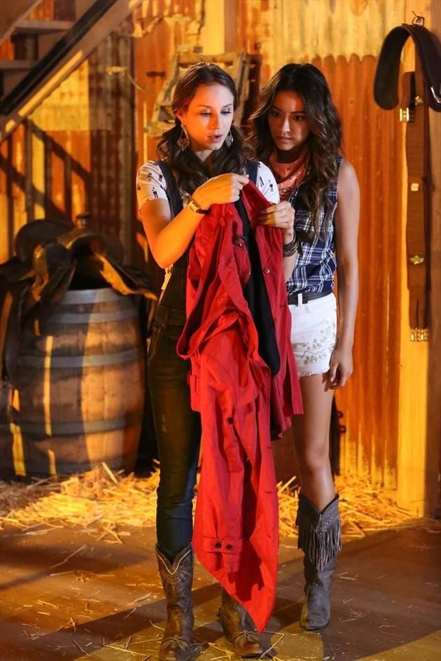 "Pretty Little Liars Review: Season 4, Episode 11 — ""A"" Team Member Revealed!"