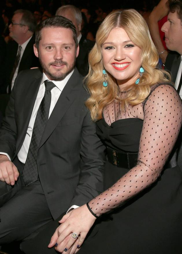 """Kelly Clarkson Is a Mom — And She """"Actually Really Digs"""" It!"""