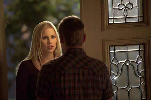 The Vampire Diaries Spoilers: Will Matt and Rebekah Break Up?