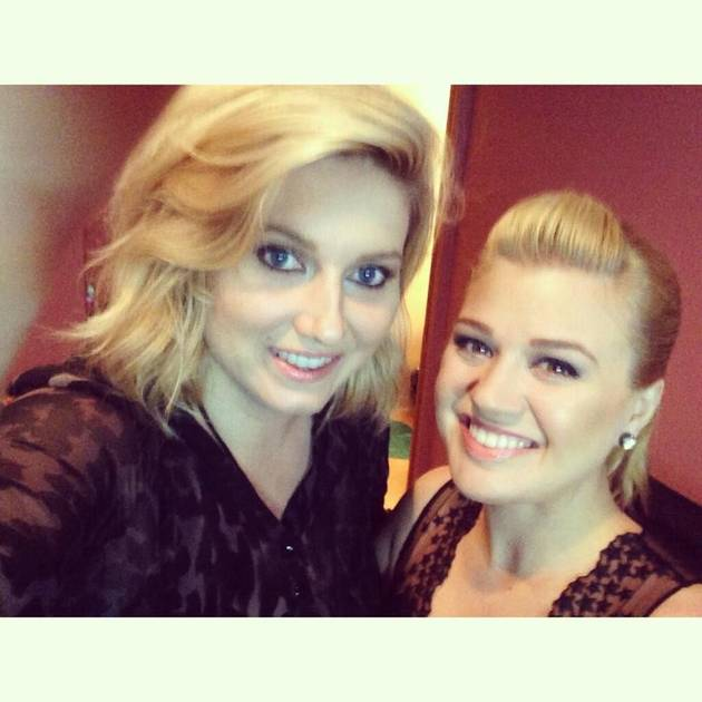 Kelly Clarkson's Maid of Honor Ashley Donovan — Who is She?