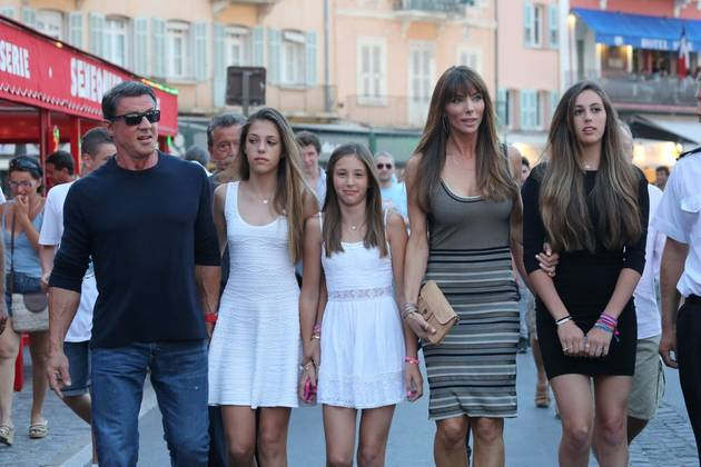Sylvester Stallone Steps Out With His Gorgeous Daughters in Saint-Tropez (PHOTO)