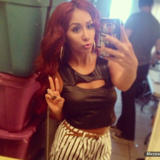 Snooki's Crazy Hot Pink Shoes: Too Cute or Too Much? (PHOTO)