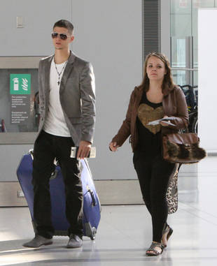 Catelynn Lowell and Tyler Baltierra Look Airport Chic in Toronto (PHOTO)