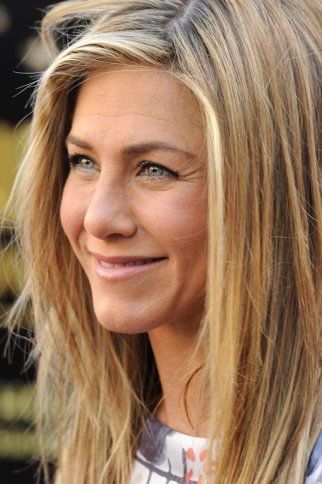 Jennifer Aniston Pregnant With First Child? Her Rep Says…