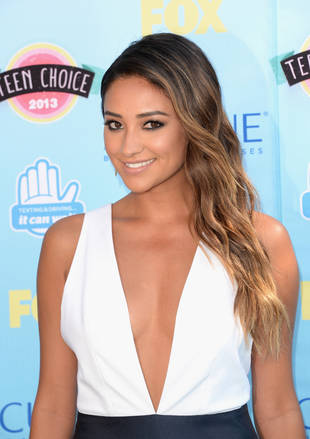 Pretty Little Liars' Shay Mitchell: Sexy Bikini on Labor Day (PHOTO)