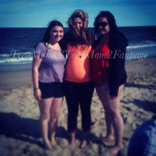 Kailyn Lowry Shows Off Baby Bump at the Beach! (PHOTO)