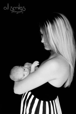 Adam Lind's Baby Mama Taylor Halbur Reveals Pregnancy Weight Loss! (PHOTO)