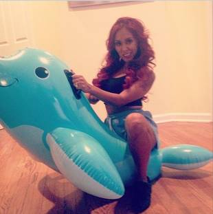 Snooki Riding Giant Whale — You've Gotta See This! (PHOTO)