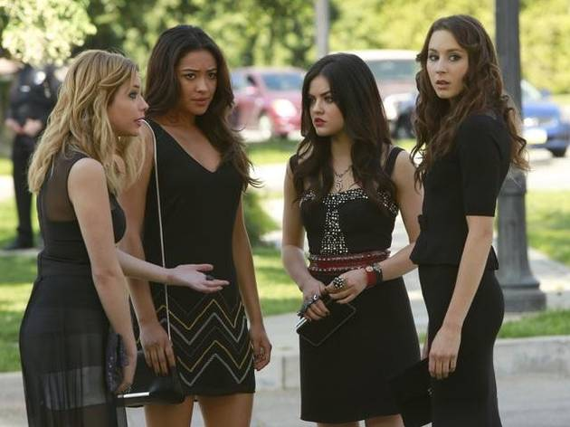 "Pretty Little Liars Season 4: When Will the Girls Learn Ezra is ""A""?"