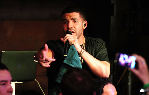 """Drake Reveals Which Member of the Kardashian Family is His """"Queen""""!"""