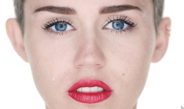 """Miley Cyrus Goes Fully Nude and Destroys Everything in """"Wrecking Ball"""" Video — NSFW!"""
