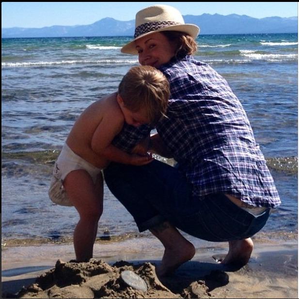 Alyssa Milano Enjoys Beach Time With Little Milo (PHOTO)