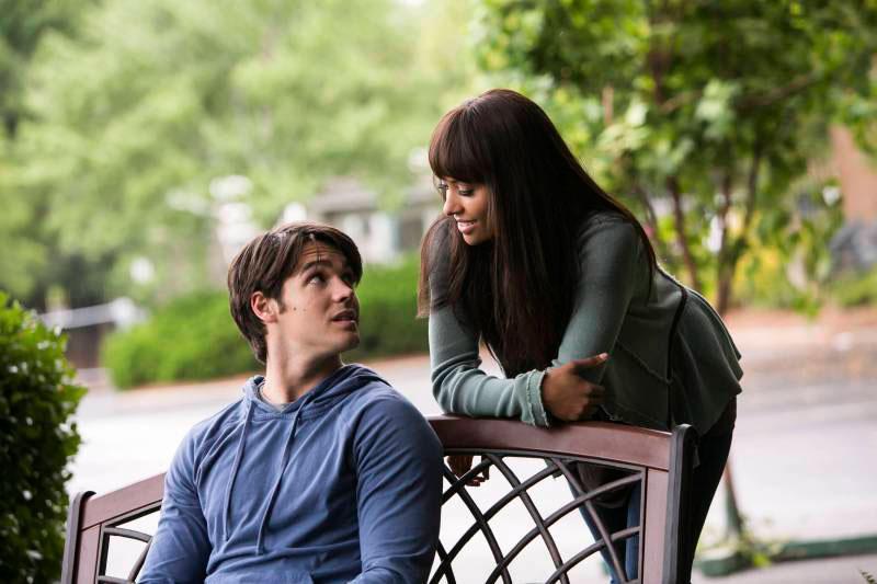 "Vampire Diaries Season 5 Spoilers: Kat Graham Teases Bonnie and Jeremy's ""Intense Chemistry"""