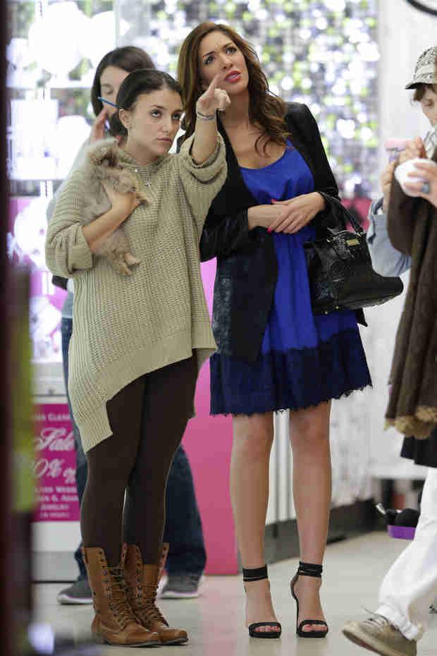 Farrah Abraham Buys Sophia a Teacup Pomeranian Puppy (PHOTO)