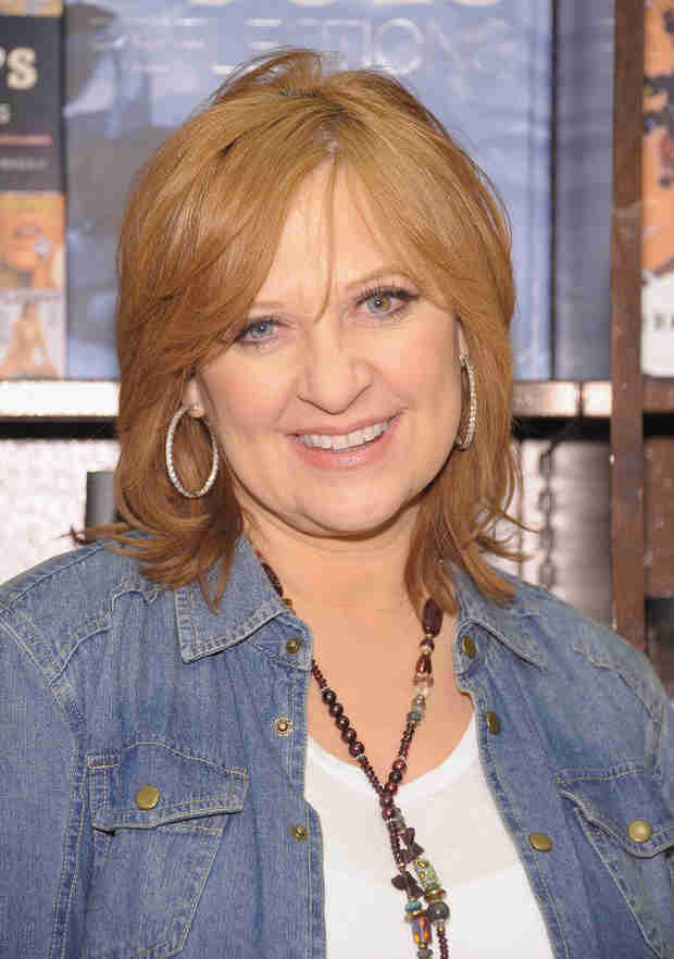Caroline Manzo Gets Manicure From Her Daughter