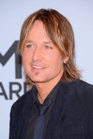 "Keith Urban Cries at The Grammys During Macklemore's ""Same Love"" Performance"
