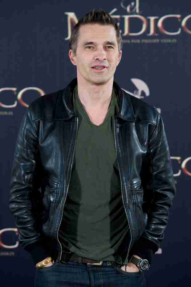 Revenge Spoiler: Olivier Martinez Cast as Margaux's Dad!