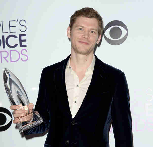 Joseph Morgan Wins Peoples Choice Award — Watch His Adorable Acceptance Speech (VIDEO)
