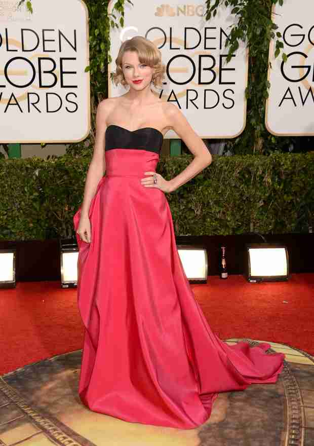 Taylor Swift Stuns in Red at Golden Globes 2014 (PHOTO)