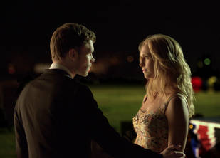The Vampire Diaries 100th Episode Speculation: Do Klaus and Caroline Kiss?