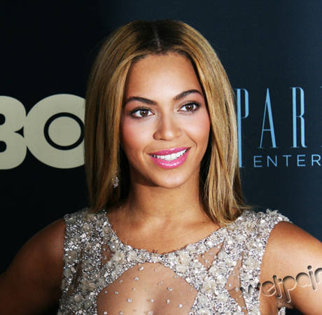 Why Doesn't Beyoncé Have Wrinkles? 3 Weird Fan Questions, Answered