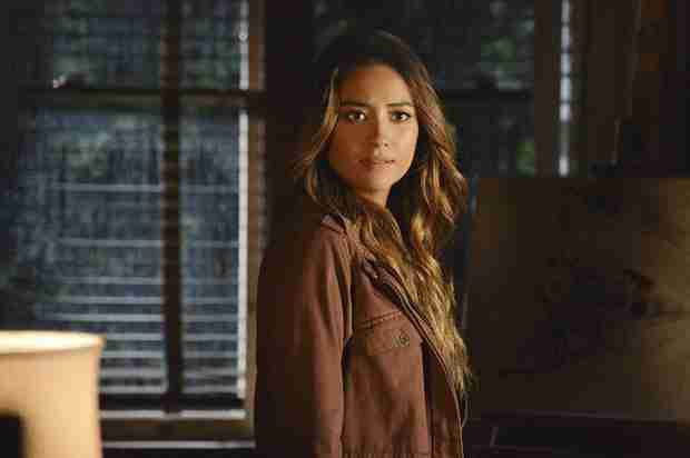 Pretty Little Liars Spoilers: Emily and Alison's Intimate Past Revealed!