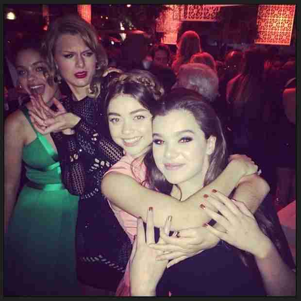 Taylor Swift and Sarah Hyland's Golden Globes Dance Party — See The Video Here!