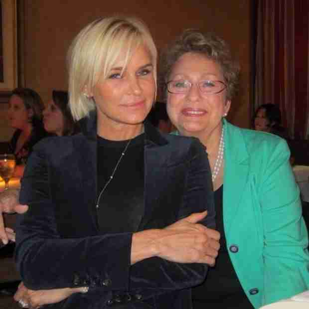"""Yolanda Foster Debuts New Bob: """"Leaving the Old Behind"""" — Hot or Not? (PHOTO)"""