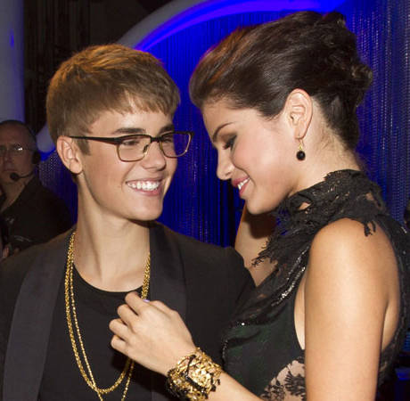 Selena Gomez Gets Back Together With Justin Bieber, Despite What Her Friends Say —Report