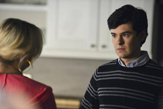 """Who Is """"A""""? Our Top 3 Suspects From Pretty Little Liars Season 4 Winter Premiere"""