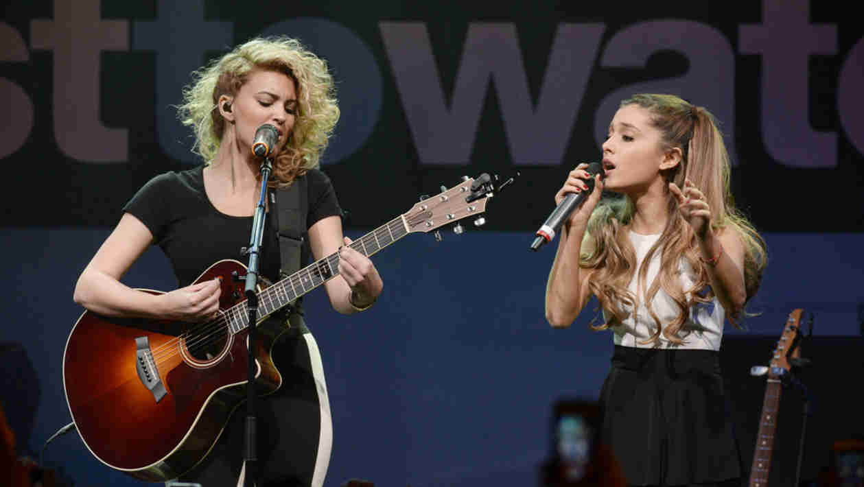 Ariana Grande Surprised MTV Artists to Watch Audience — Watch Her Killer Duet with Tori Kelly! (VIDEO)