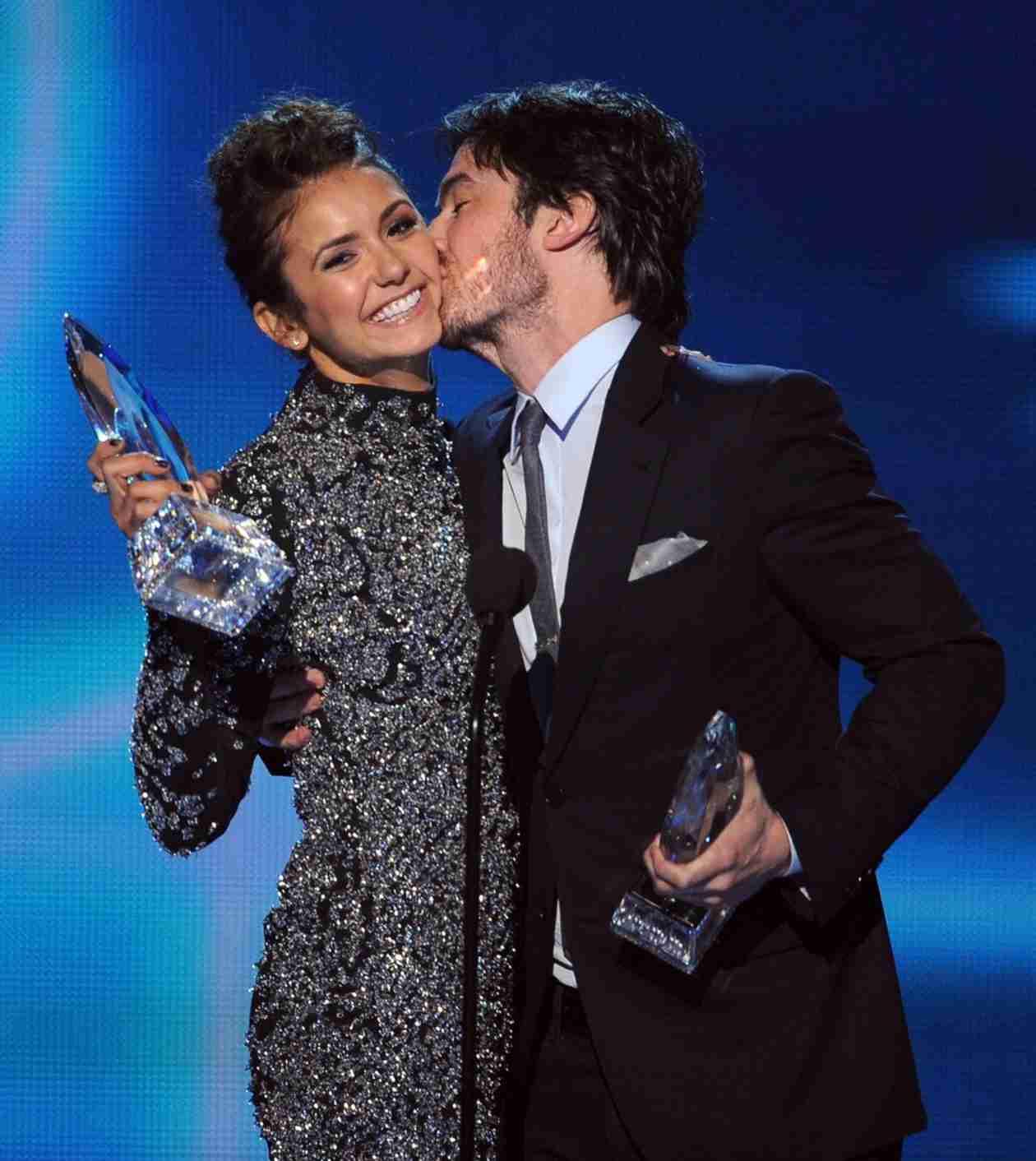 Ian Somerhalder Kisses Nina Dobrev's Cheek After People's Choice Award Win! (PHOTO)